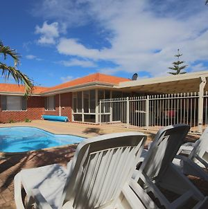 Mindarie Villa 4 Bedroom House photos Exterior