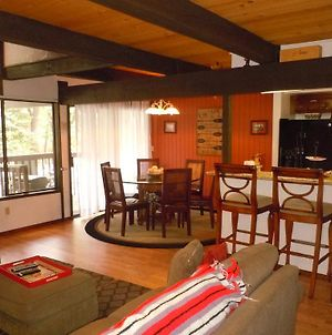 Two-Bedroom Premier Unit #70 By Escape For All Seasons Bus Lic #23546 photos Exterior