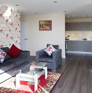 Modern Station Penthouse With Parking & Balcony & Sleeps 6 photos Exterior