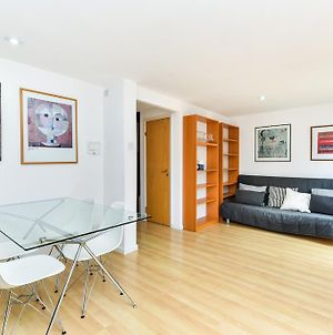 Modern 4 Bedroom Terraced House By The Thames! photos Exterior