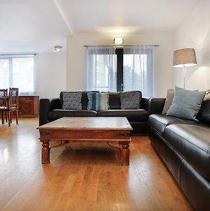 Spacious & Modern 3 Bedroom Apt. Near Canary Wharf photos Exterior