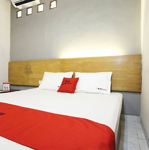 Reddoorz Near Juanda Airport T1 photos Exterior