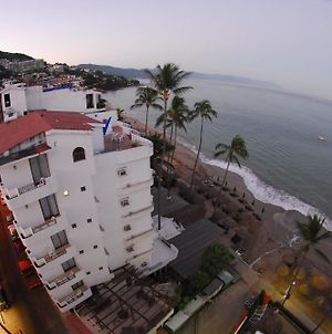 Emperador Vallarta Beachfront Hotel And Suites photos Exterior