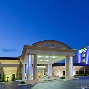Holiday Inn Express Hotel & Suites Christiansburg photos Exterior