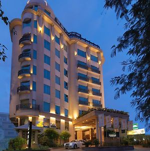 Goldfinch Hotel Bangalore photos Exterior