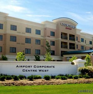 Courtyard By Marriott Mississauga-Airport Corporate Centre West photos Exterior