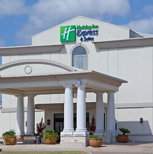 Holiday Inn Express Hotel & Suites College Station, An Ihg Hotel photos Exterior