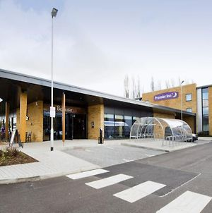 Premier Inn London Uxbridge photos Exterior