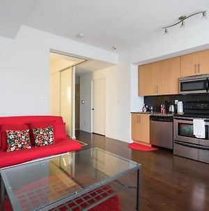 Stylish & Central Condo 1 Min From Union Station!! photos Exterior