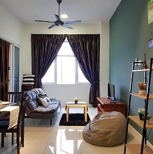 1-5 Pax 5Mins Ioi Mall Lrt Cozy Apartment Puchong photos Exterior