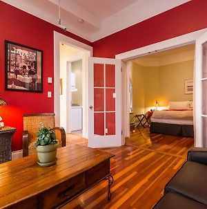 Downtown Classic & Spacious Suite With Parking photos Exterior