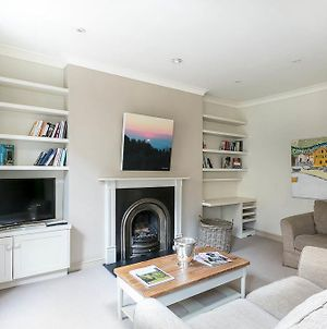 Stunning 2Bedrooms Apartment - Neal Street photos Exterior
