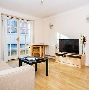 North London Flat For 2 People photos Exterior