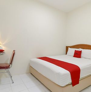Reddoorz Plus Near Ciputra World Kuningan 2 photos Exterior