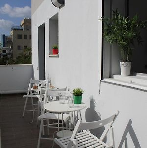 Charming & Bright Clean With Balcony photos Exterior