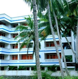 Vedanta Wake Up Hawa Beach photos Exterior