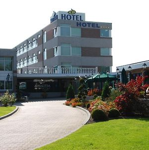 Amicitia Hotel photos Exterior