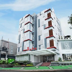 Ruby Hotel Syariah photos Exterior