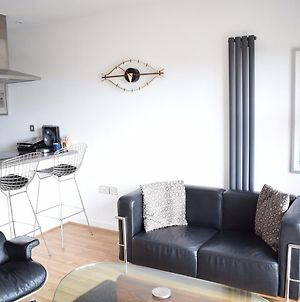 1-Bedroom Flat In Bow With Balcony photos Exterior