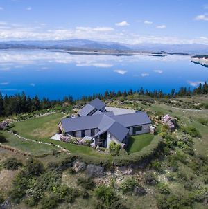 Pukaki Lakeside Getaway Villa photos Exterior