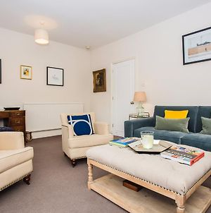 Flat In Battersea Accommodates 5 photos Exterior