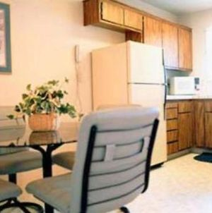 Quail Hollow One Furnished Apartments photos Room