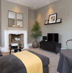 2 Bedroom Flat In Wandsworth Close To Tube Station photos Exterior