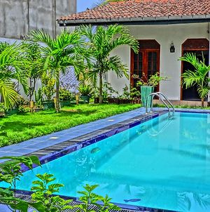 Schone Beach Villa Habaraduwa photos Exterior