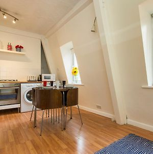 Elegant Flat For 4 In Southwark, By London Bridge photos Exterior