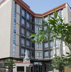 Golden Tulip Essential Lagos Airport Hotel photos Exterior