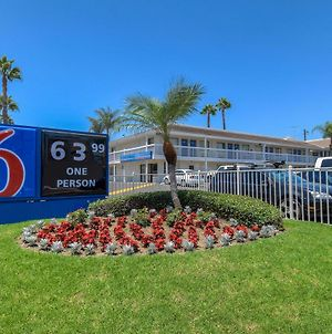 Motel 6 Santa Ana photos Exterior