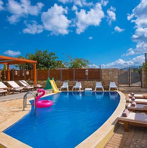 "Sunshine Villa With Private Pool ""By Checkin"" photos Exterior"