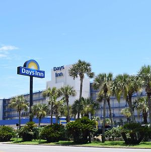 Days Inn By Wyndham Panama City Beach/Ocean Front photos Exterior