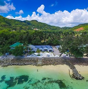 Le Nautique Beachfront Apartments Mahe photos Exterior