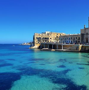 Blue Waters 3 Bedroom Apartments In Sliema, Just Off The Seafront photos Exterior