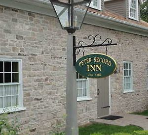 American Loyalist Peter Secord Inn Circa 1782 photos Exterior