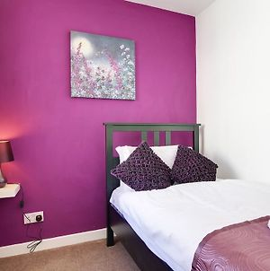 City Central, 2 Min To The Sea, 4 Bedroom Townhouse, Wi-Fi, Car-Park photos Exterior