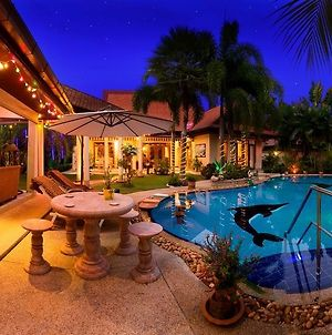 Relaxing Palm Pool Villa photos Exterior