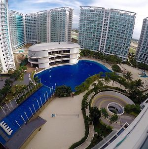 Pool & Beach View 2Br Deluxe Condo At Azure Resort photos Exterior