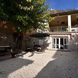 Antique Mansion In Provaglio D'Iseo With Courtyard photos Exterior