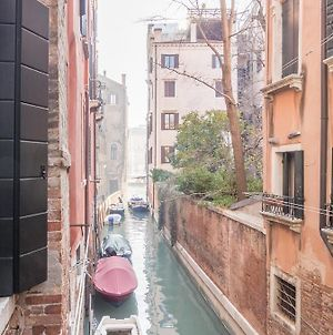 Venice Grand Canal Style Apartments photos Exterior