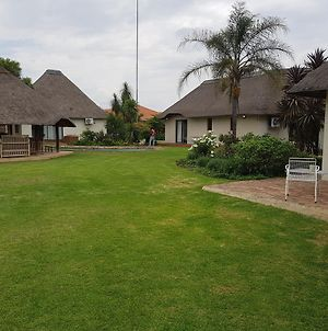 12 On Vaal Drive Guesthouse photos Exterior