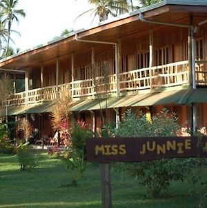 Miss Junies Lodge photos Exterior