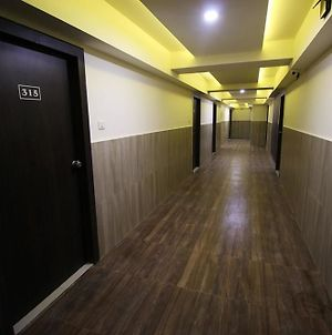 Oyo Rooms Yagnik Road photos Exterior