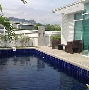 Baan Sarinya Pool Villa photos Exterior