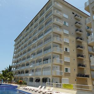 El Cantil Condominiums Resort photos Exterior