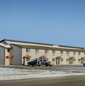 Nova Inn Kindersley photos Exterior