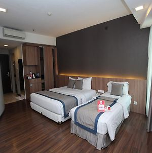 Nida Rooms Iskander Muda 145 Medan Kota photos Exterior