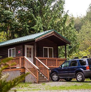 Mount Vernon Camping Resort Studio Cabin 4 photos Exterior