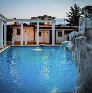 Spacious Villa With Pool And Jacuzzi In The Countryside Of Anzio photos Exterior